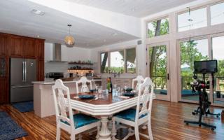 Lavender Farm - dining room with Peloton